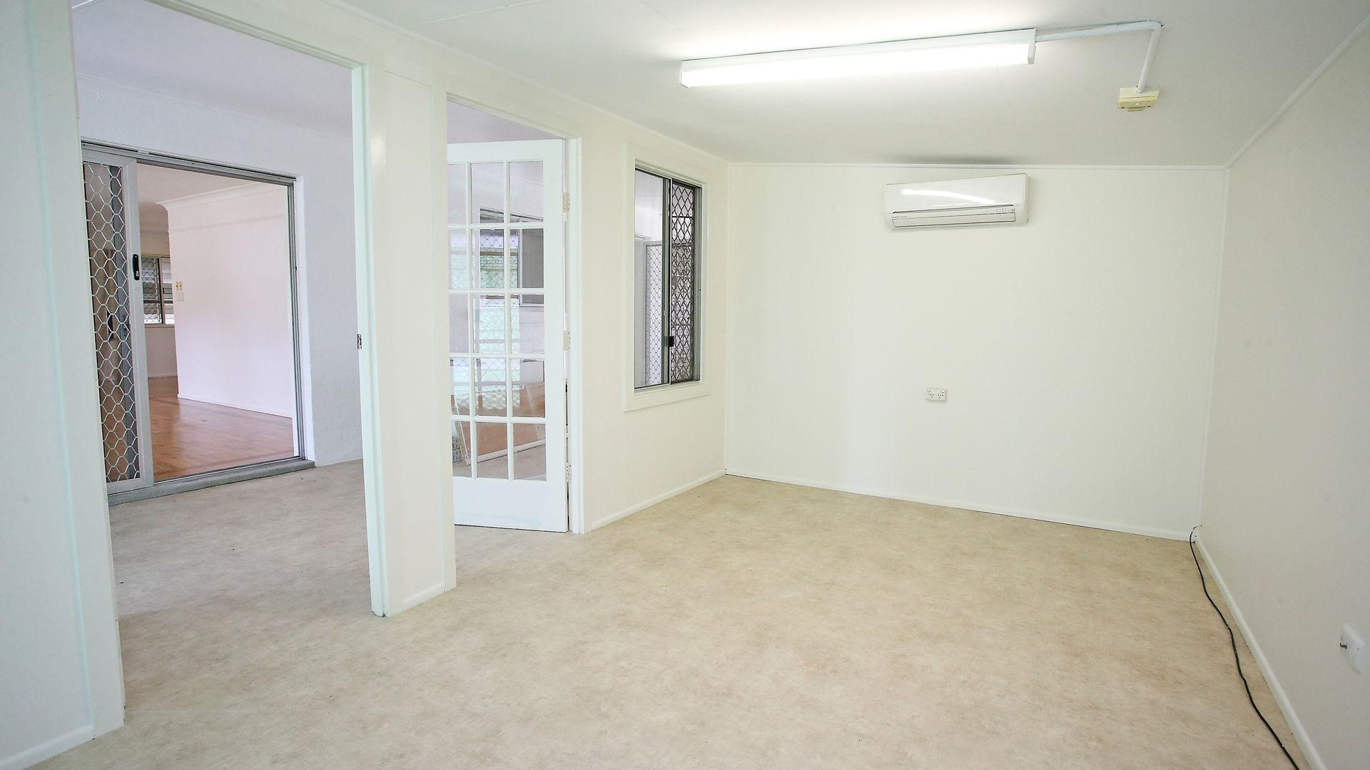 8 Kauri Court, Kirwan QLD 4817, Image 2