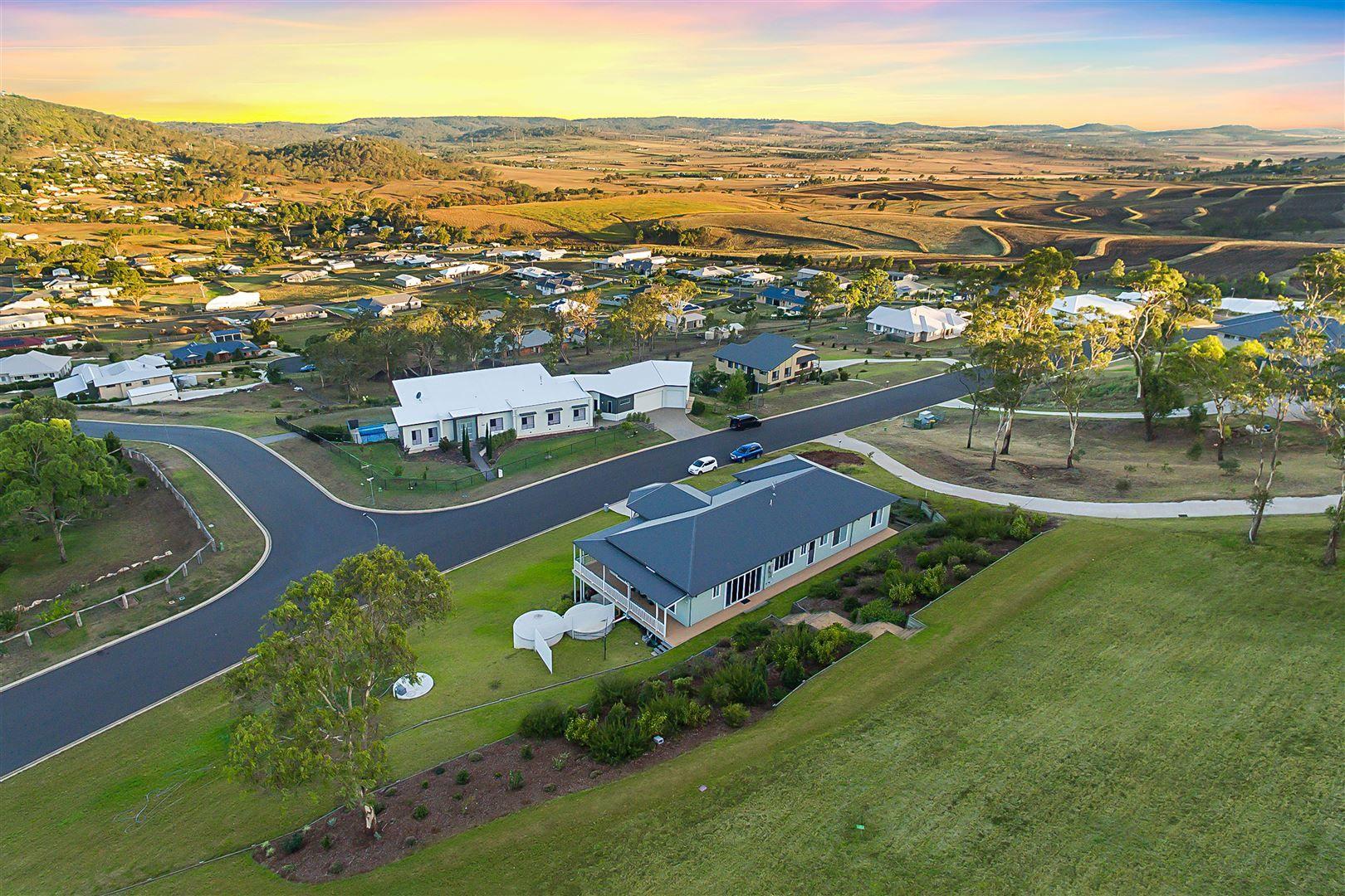 18 Manikato Drive, Hodgson Vale QLD 4352, Image 2