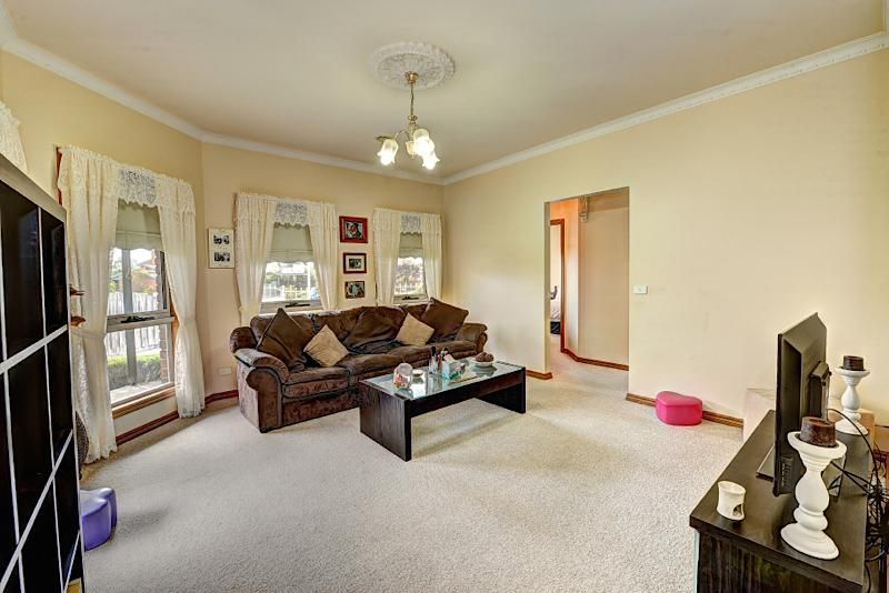1/7 Anderson Court, Mount Clear VIC 3350, Image 2