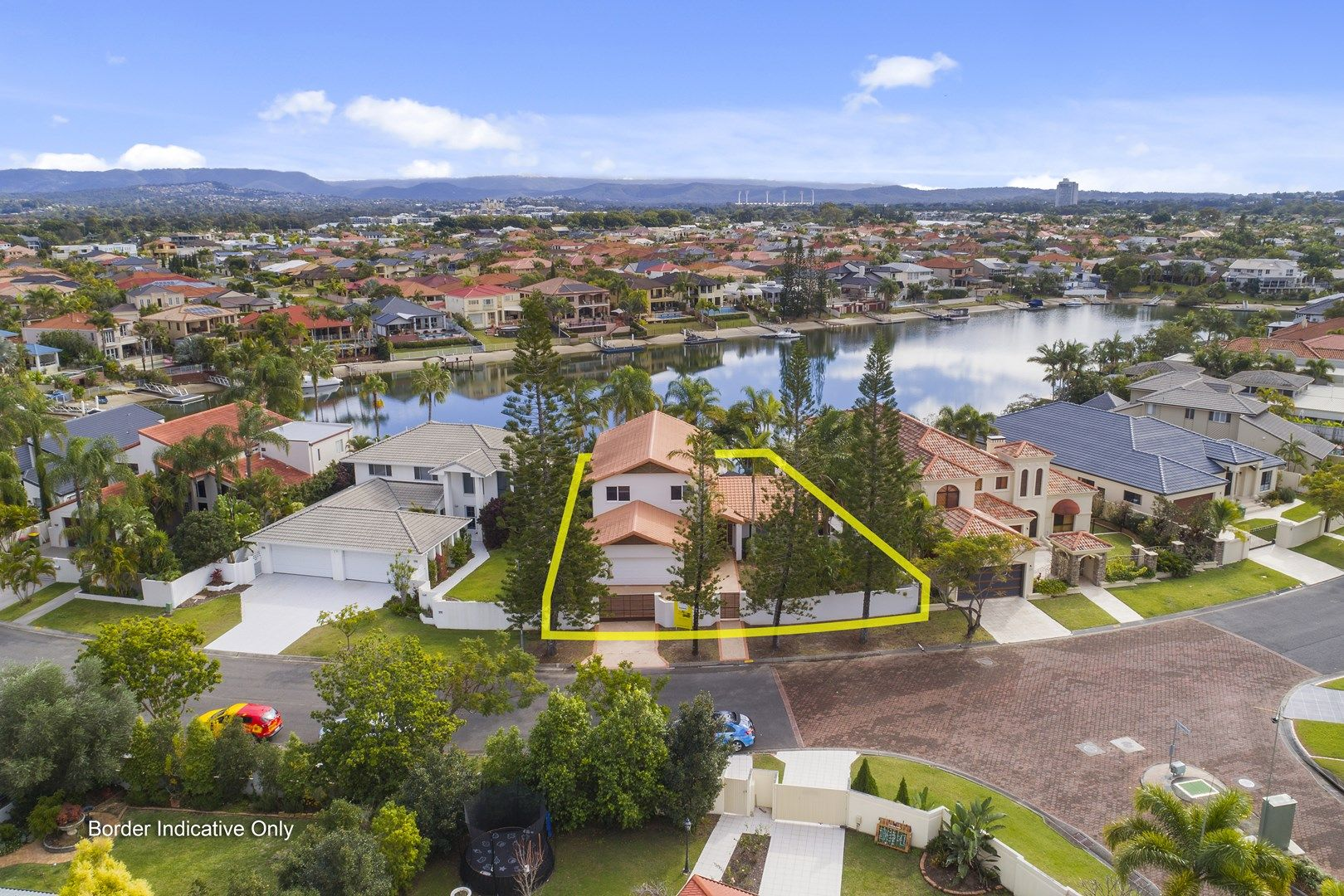 12 Charolais Crescent, Benowa Waters QLD 4217, Image 2
