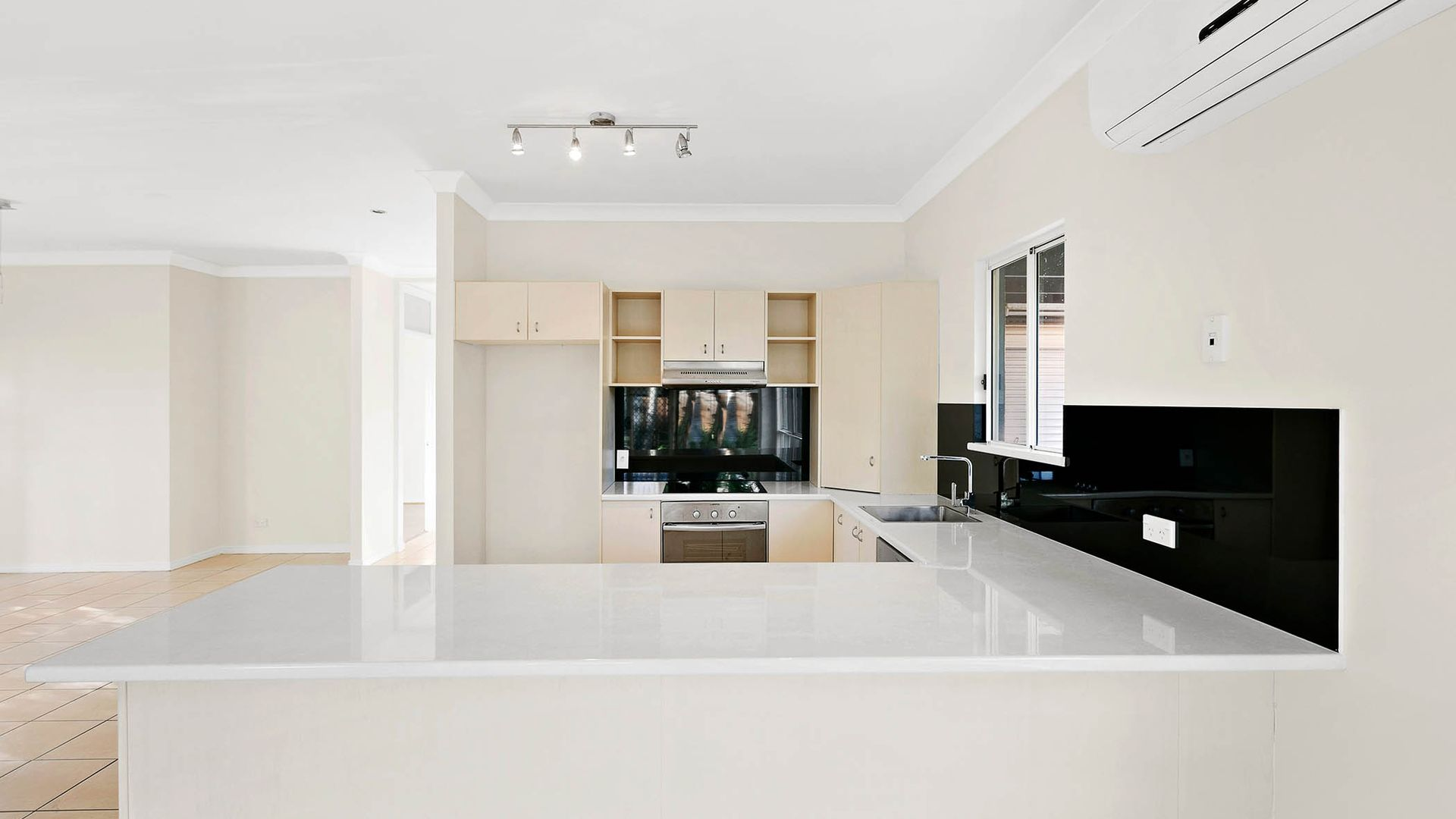 1 Norman Court, Caloundra West QLD 4551, Image 2