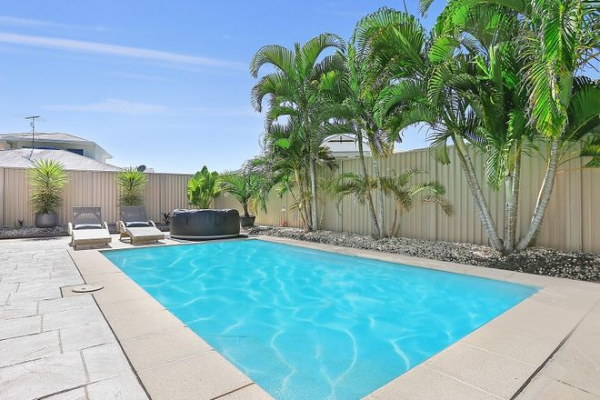 Picture of 6 Campbellville Circuit, PELICAN WATERS QLD 4551
