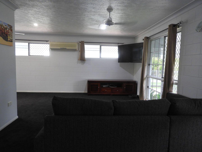 13 Tracey Street, Balgal Beach QLD 4816, Image 2