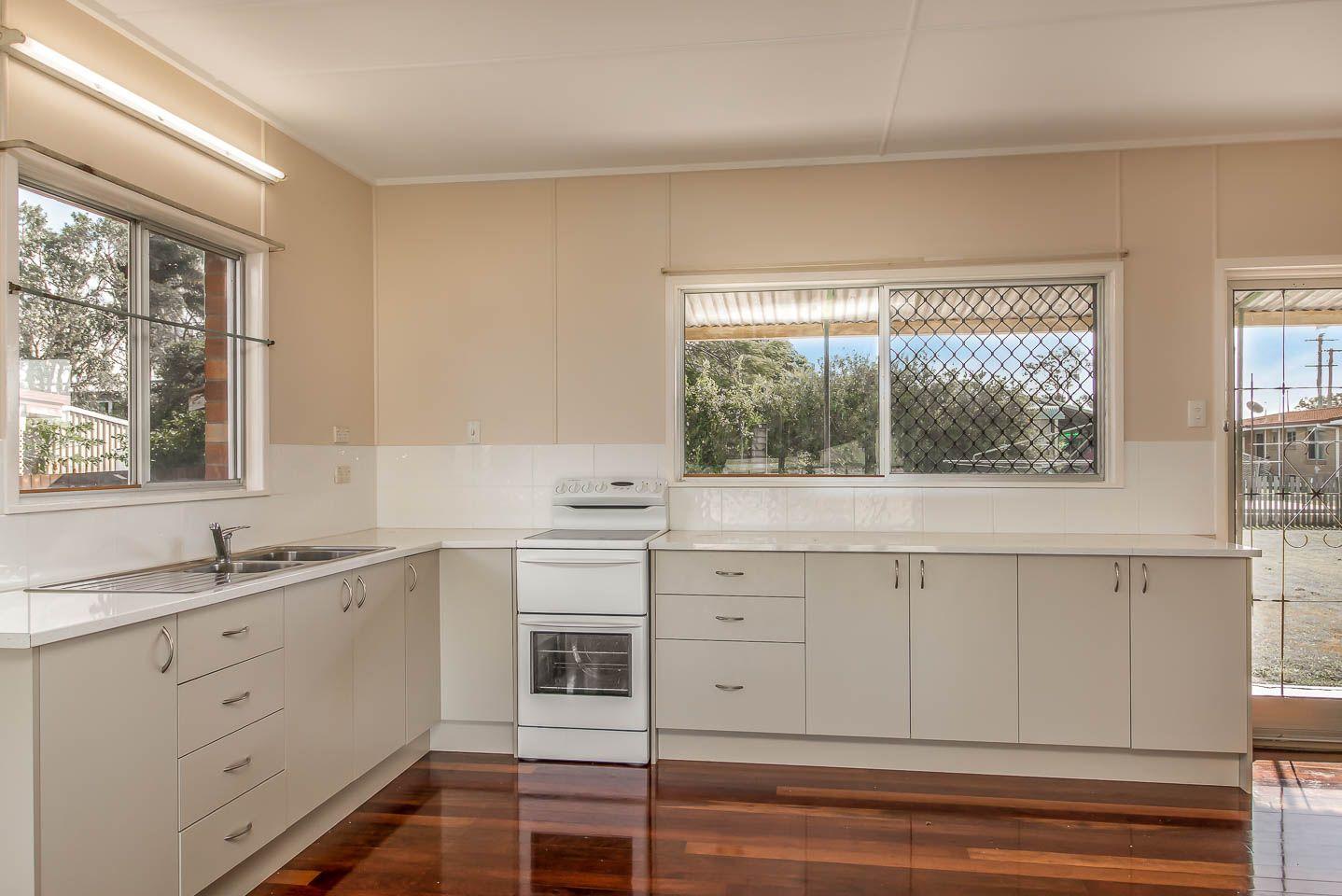 29 Drummond Street, Urangan QLD 4655, Image 2
