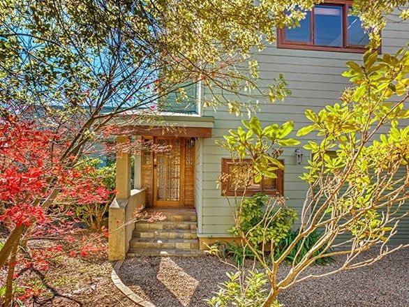 27 View Road, Wentworth Falls NSW 2782, Image 2