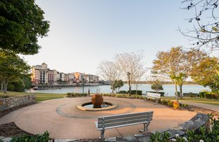 Picture of 12/5036 Emerald Island Drive, Carrara QLD 4211
