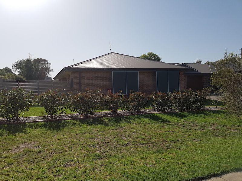 36 Scott Street, Boorowa NSW 2586, Image 0