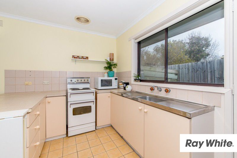 1/1 Clydesdale Crescent, Belmont VIC 3216, Image 2