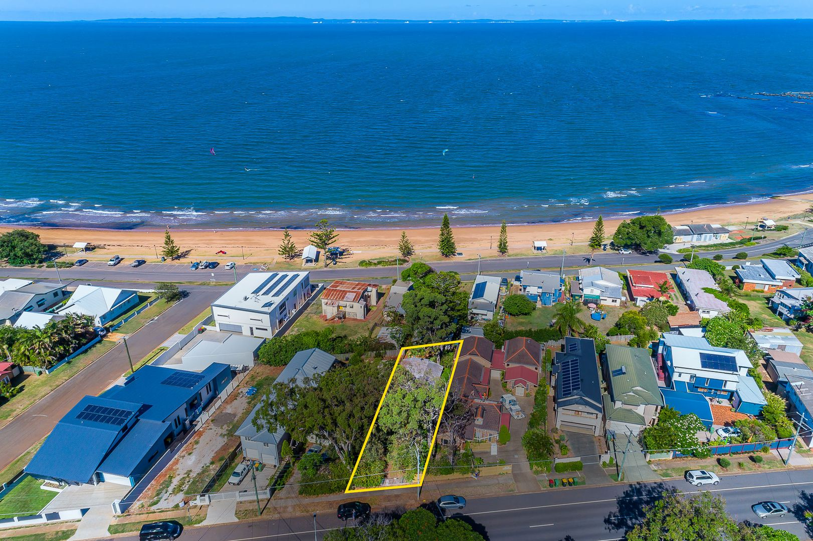 208 Prince Edward Pde, Scarborough QLD 4020, Image 2