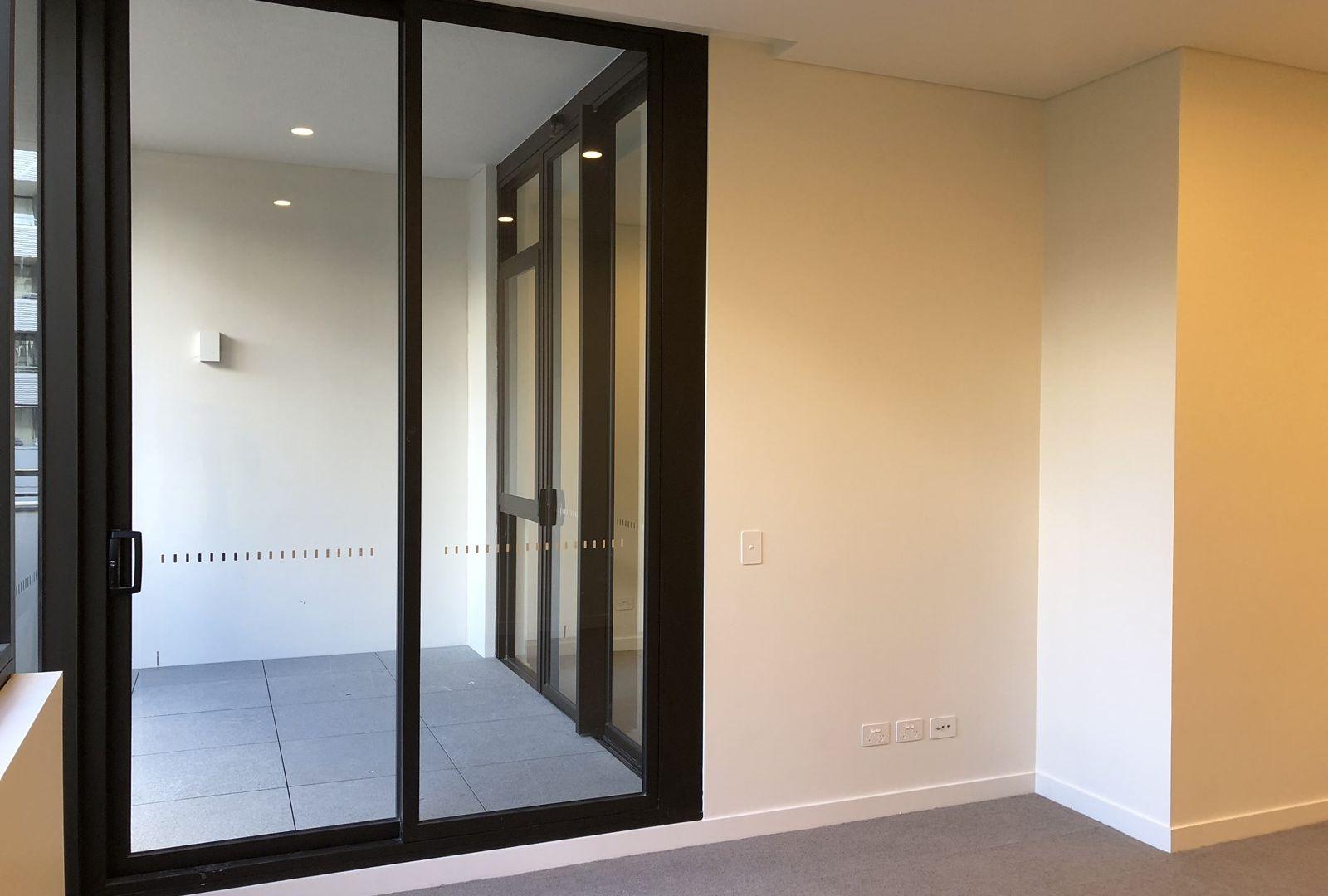 1303/15 Lachlan Street, Waterloo NSW 2017, Image 2