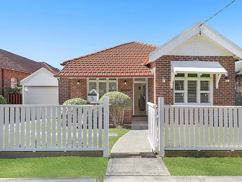 5 Ferncourt Avenue, Roseville NSW 2069, Image 0