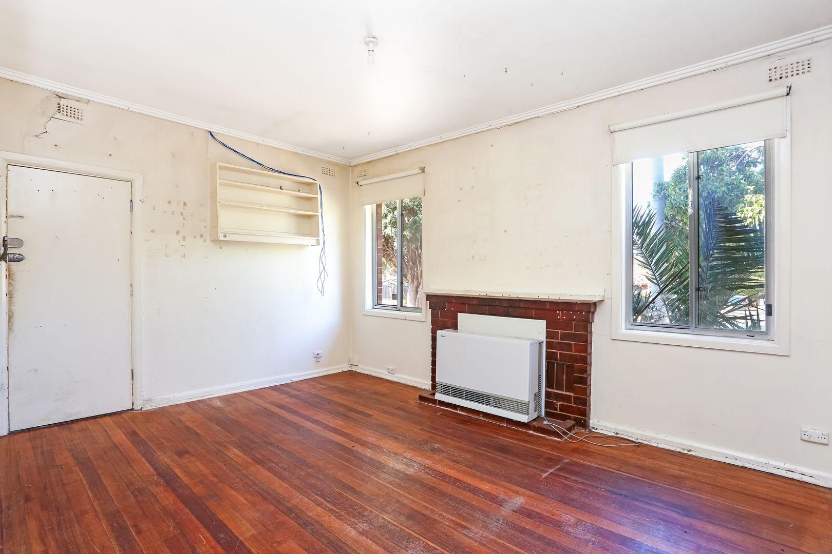 19 Peterson Avenue, Coburg North VIC 3058, Image 2