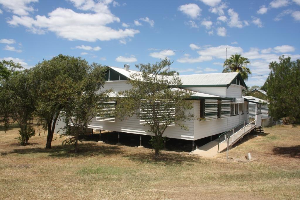 25 Stuart-Russell Street, Mundubbera QLD 4626, Image 0