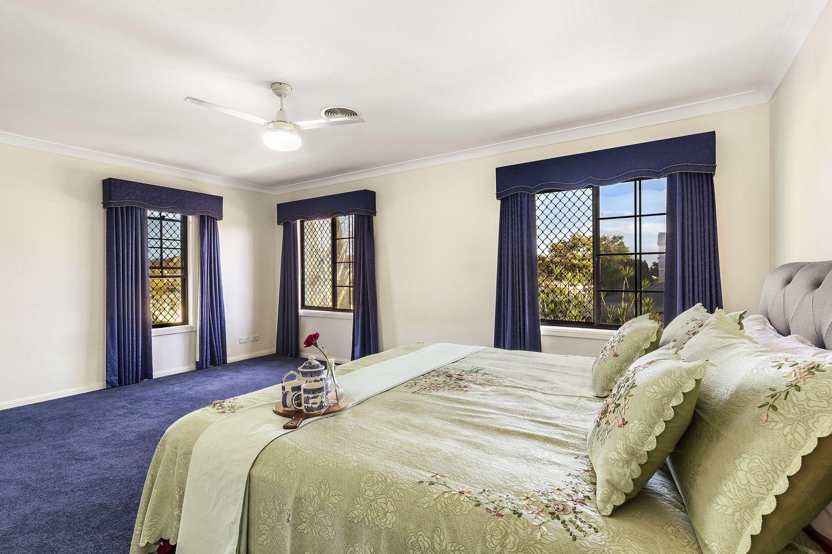 63 Dandelion  Street, Eight Mile Plains QLD 4113, Image 2