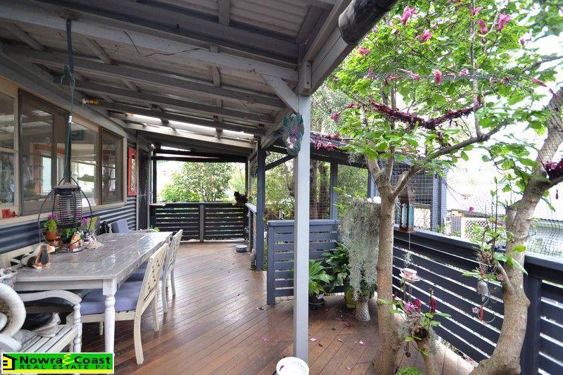 2 Mulgen Crescent, Bomaderry NSW 2541, Image 1