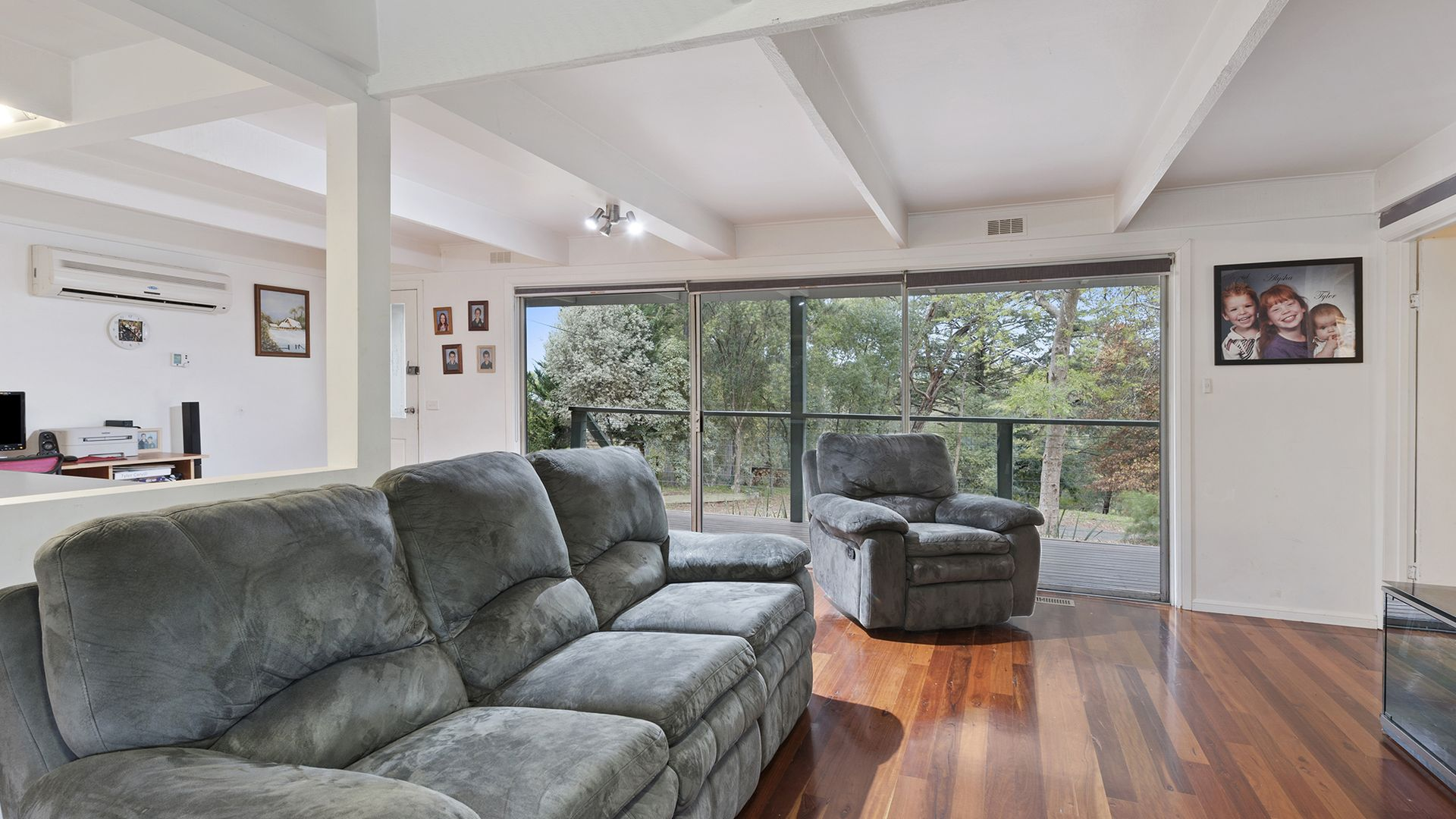 6 Jacka Street, Launching Place VIC 3139, Image 2