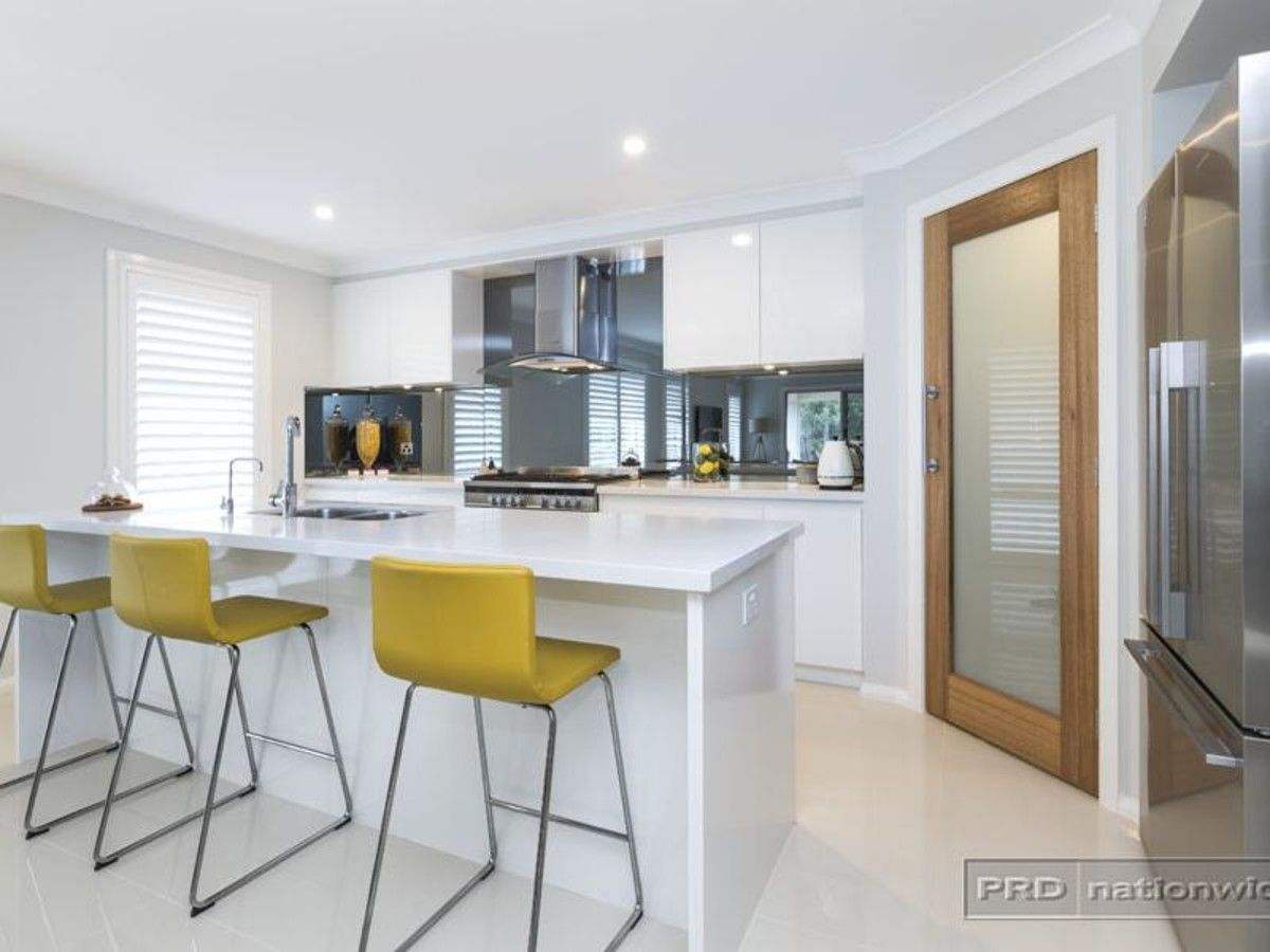 38 Floresta Crescent, Cameron Park NSW 2285, Image 1