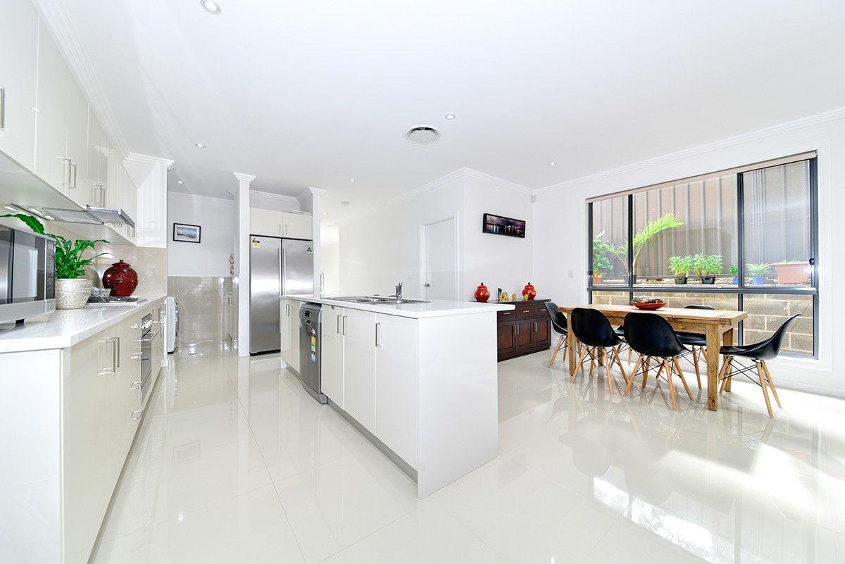7 Warwick Rd, Dundas Valley NSW 2117, Image 2