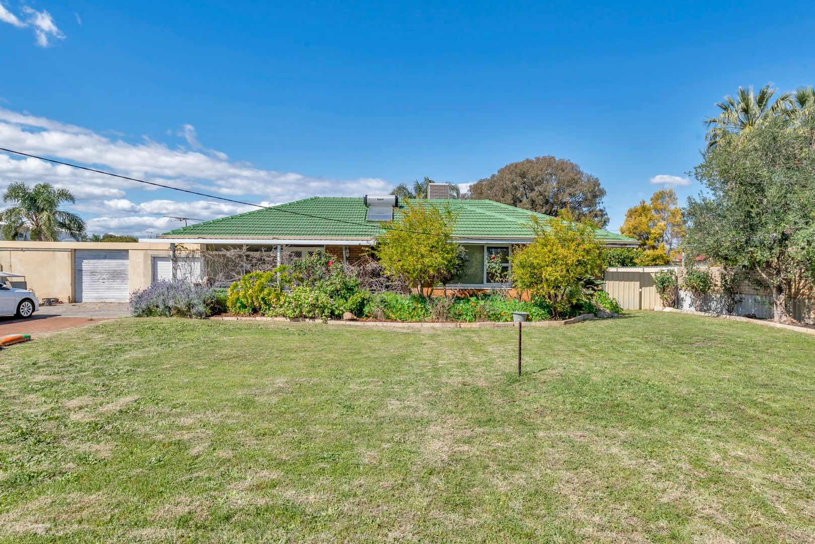 28 Wilfred Road, Thornlie WA 6108, Image 1