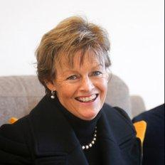 Victoria Freeman, Sales representative