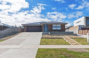 Picture of 12 Lawson Drive , Lakes Entrance VIC 3909