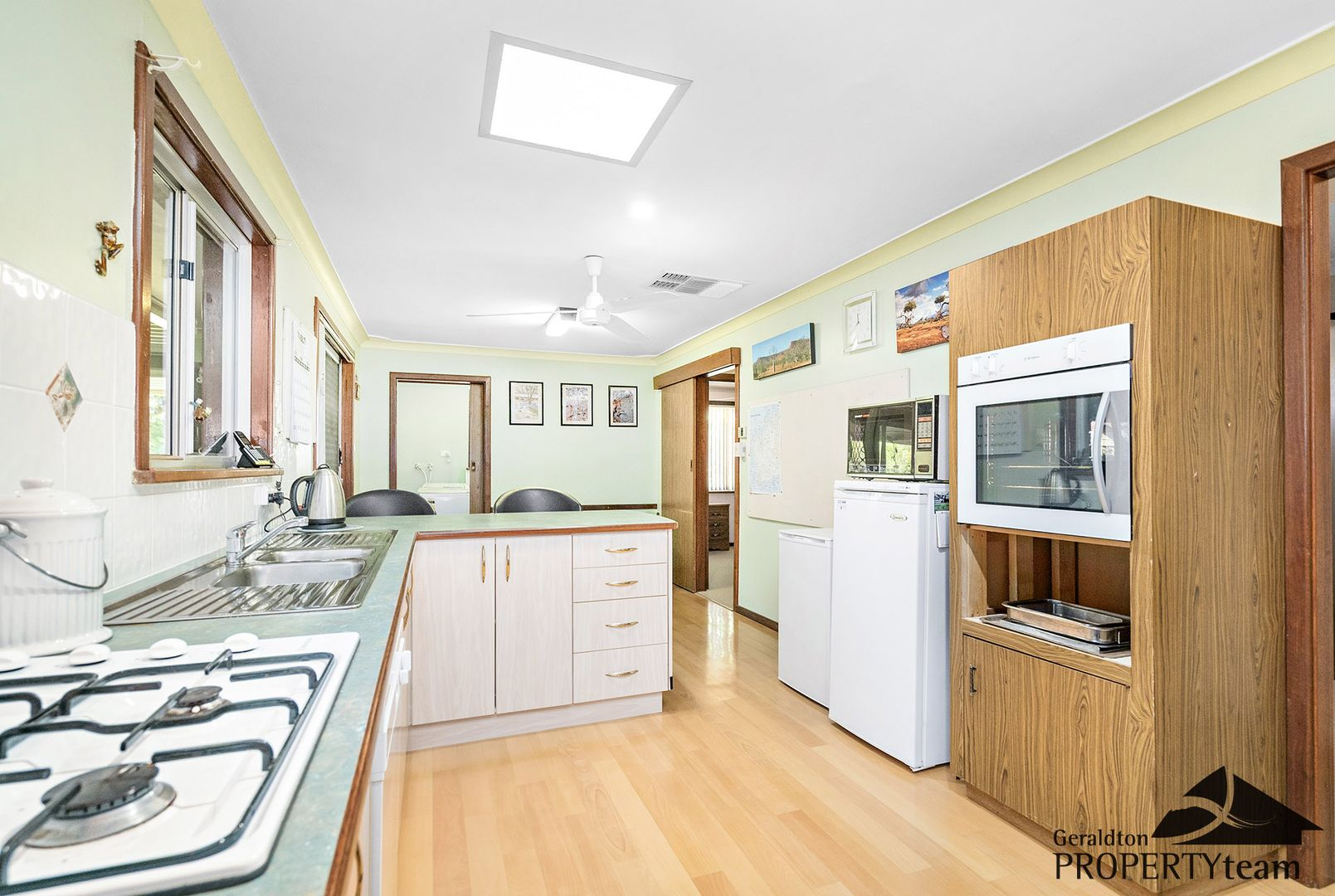 5 Hallet Place, Bluff Point WA 6530, Image 2