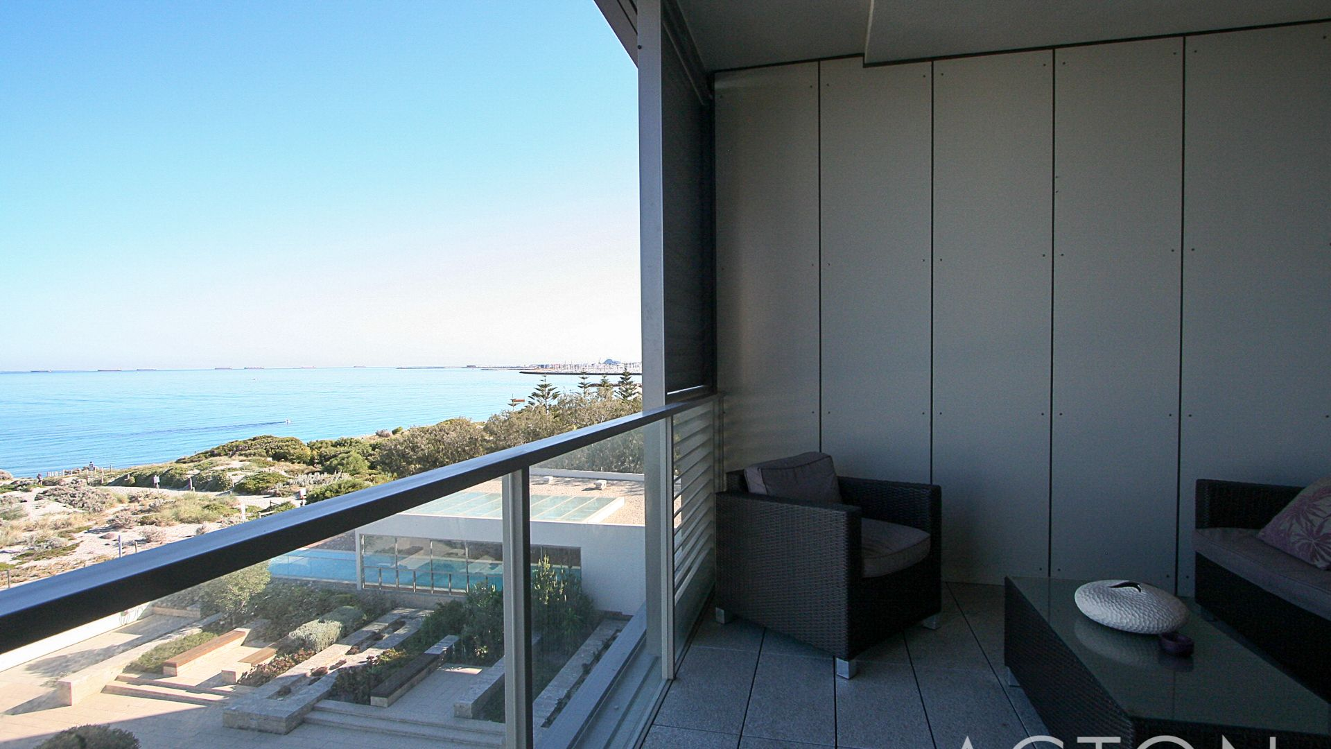 15/21 Ocean Drive, North Coogee WA 6163, Image 1