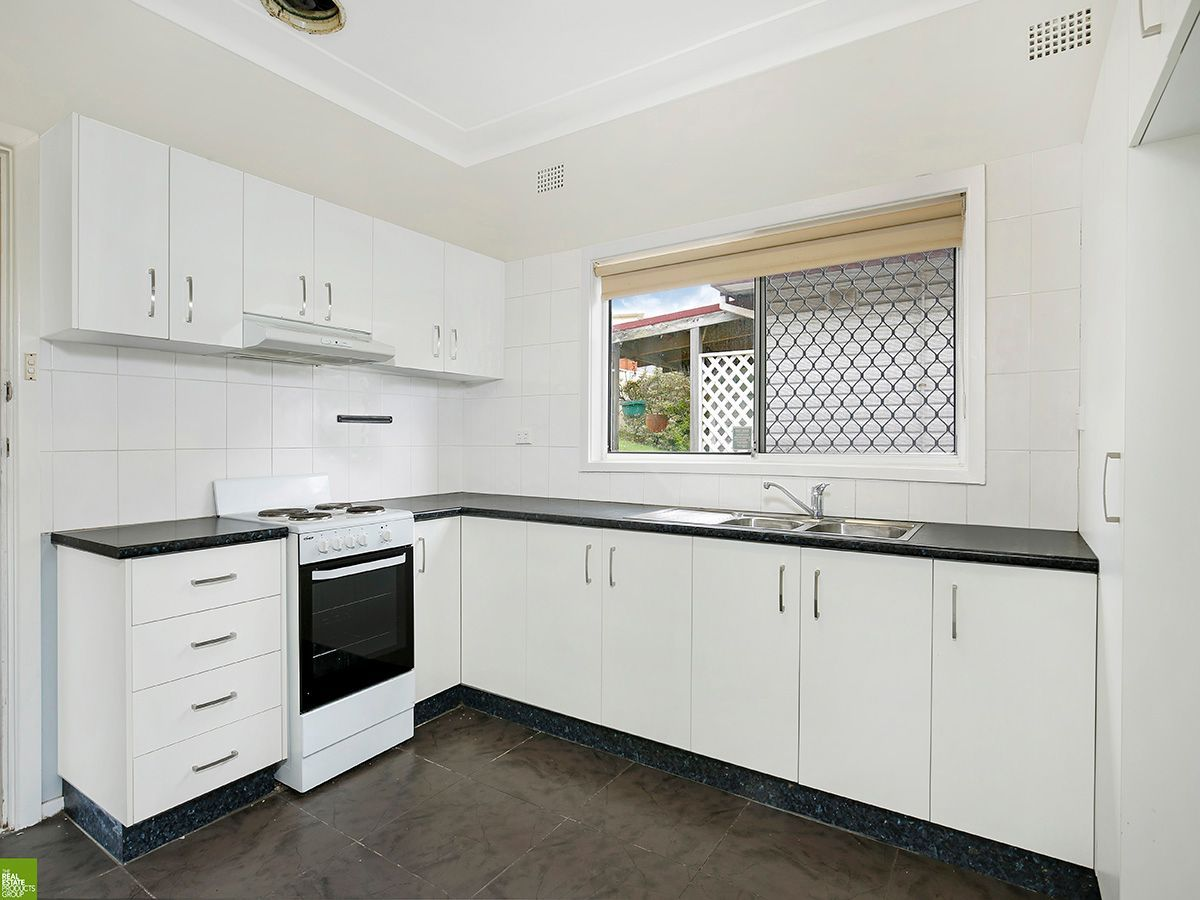 56 Figtree Crescent, Figtree NSW 2525, Image 1