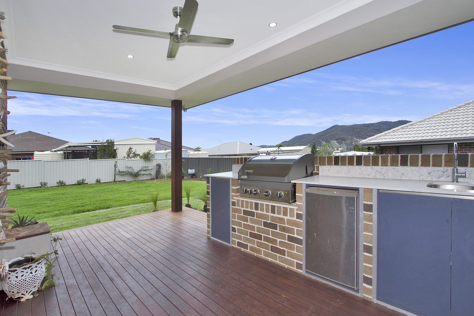 8 Illawarra Place, Tamworth NSW 2340, Image 2