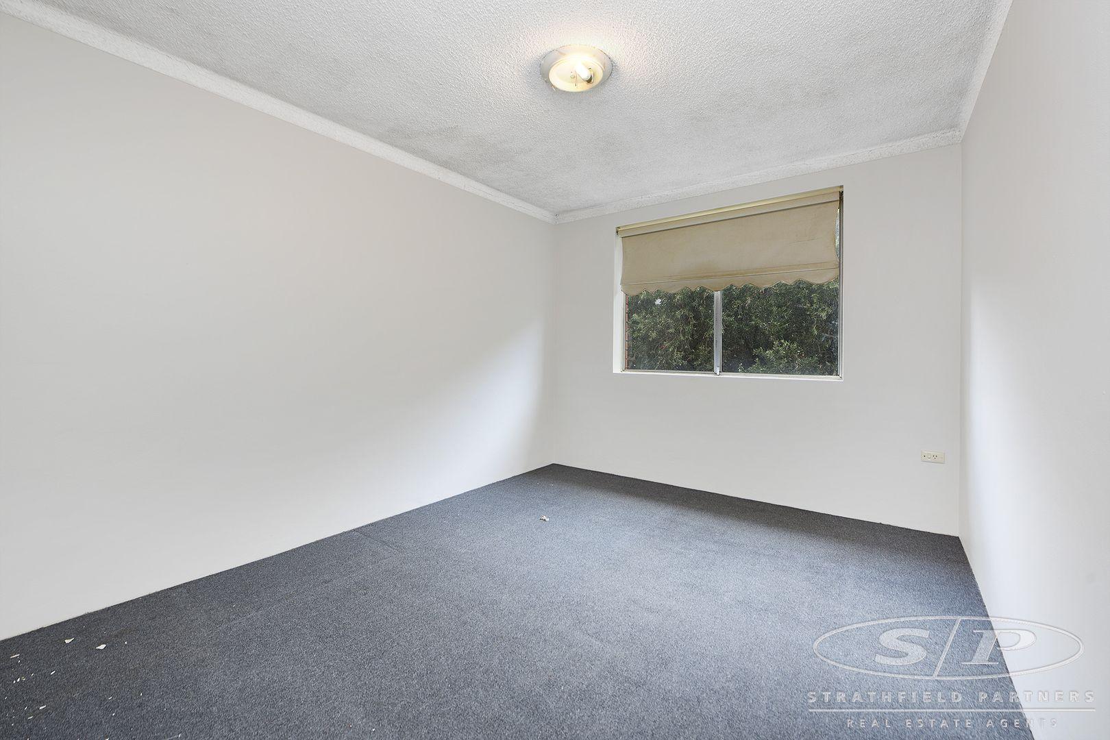 4/11 Drummond Street, Warwick Farm NSW 2170, Image 2