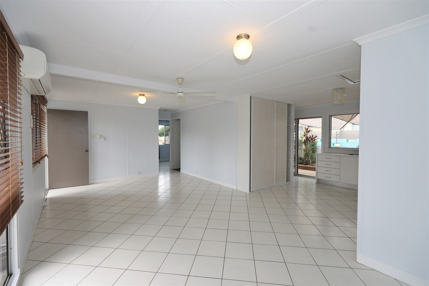 2/5 Kimba Close, White Rock QLD 4868, Image 1