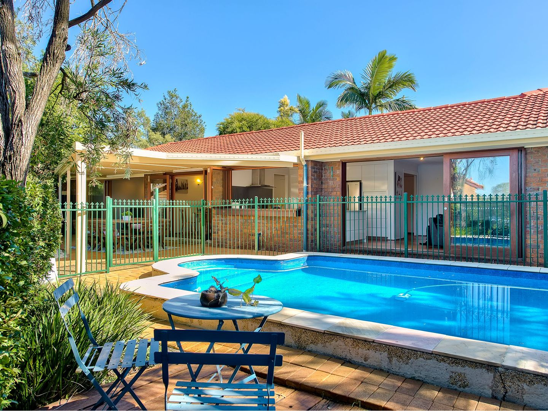 20 Owarra Avenue West, Ferny Hills QLD 4055, Image 1