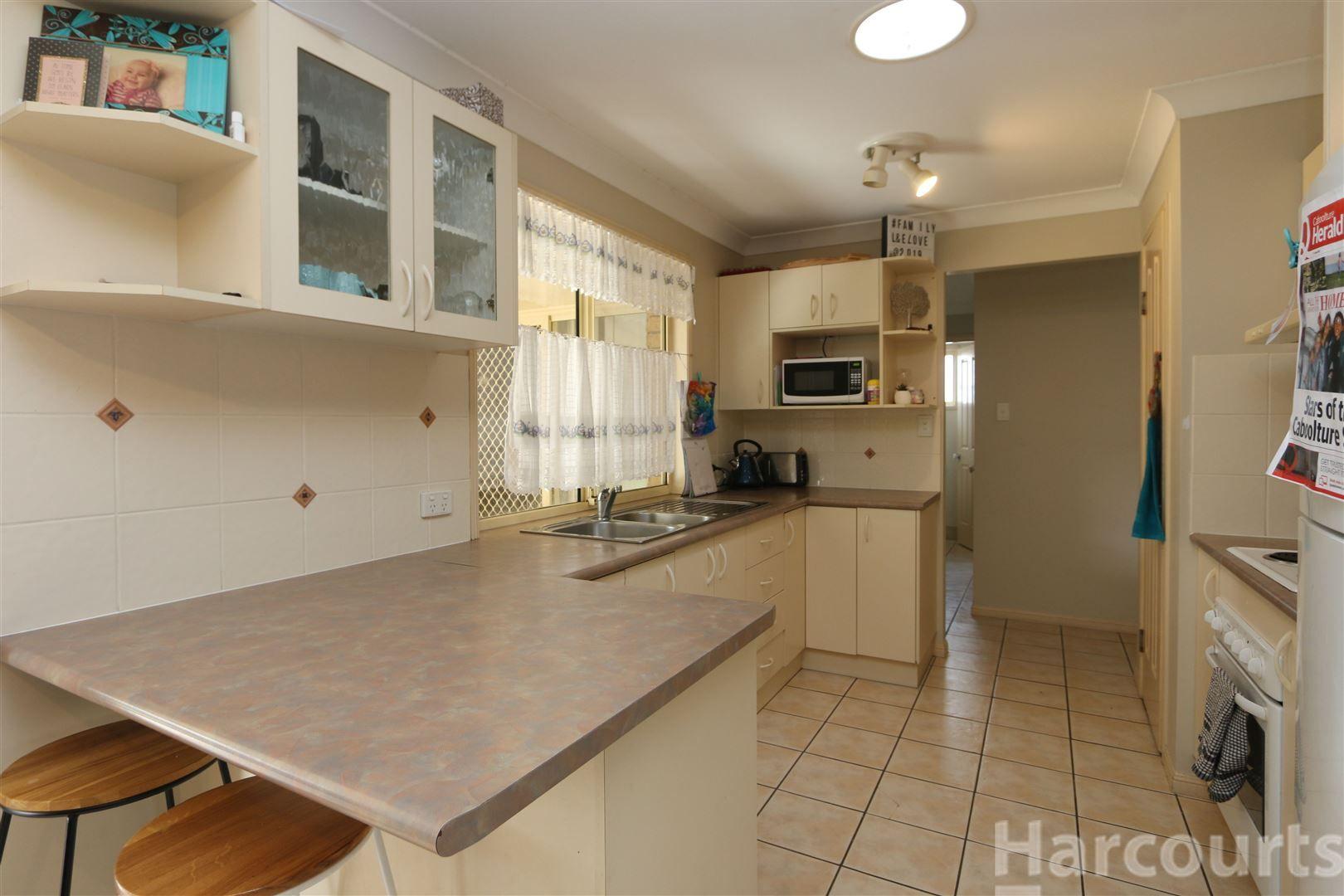 3 Queenscliff Court, Sandstone Point QLD 4511, Image 2