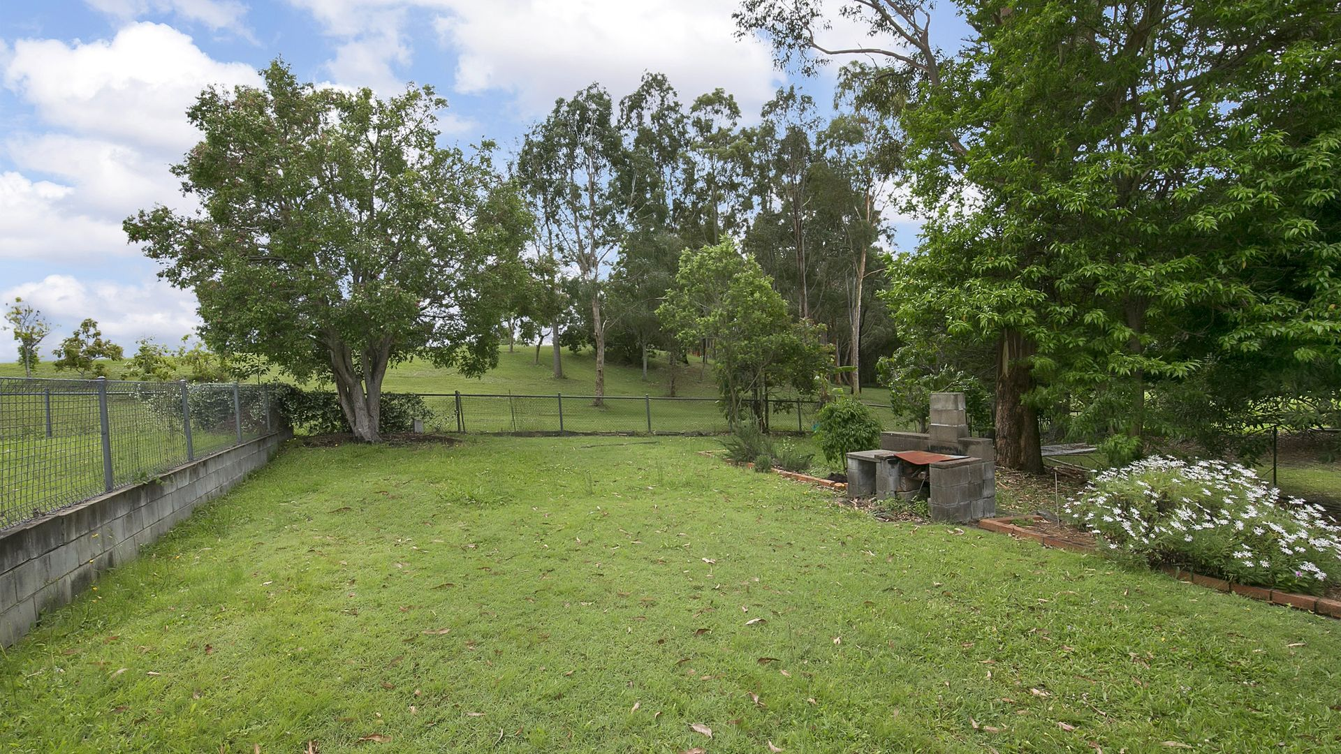 25 Broadmere Street, Annerley QLD 4103, Image 1