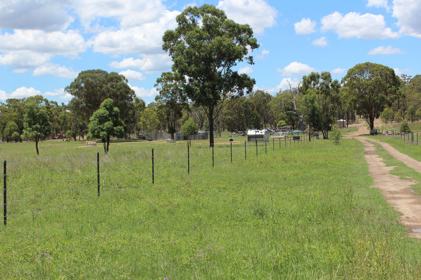 22 Woodford Drv, Cunningham QLD 4370, Image 2