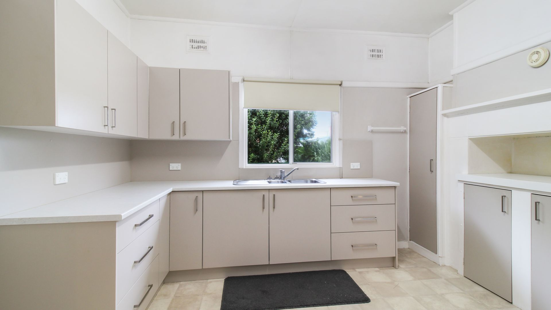 2 Bartley, Forbes NSW 2871, Image 1
