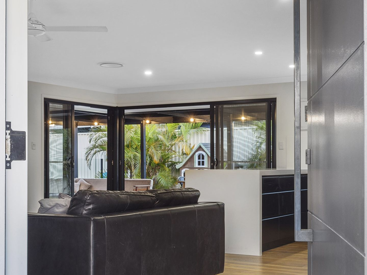 3 Oakland Court, Burleigh Waters QLD 4220, Image 1