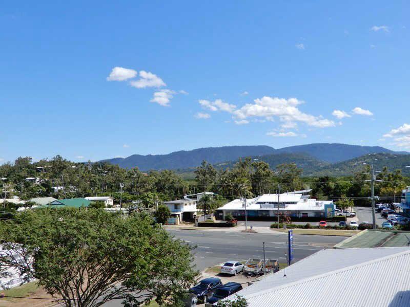16 Wambiri Street, Cannonvale QLD 4802, Image 2