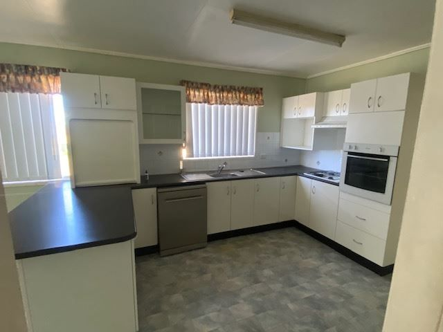 17892 New England Highway, Allora QLD 4362, Image 2