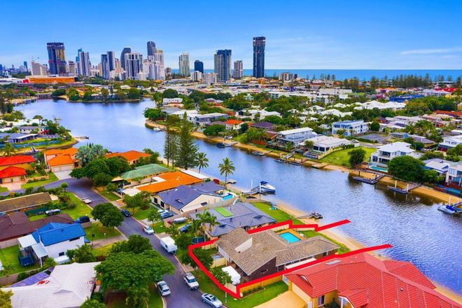 Picture of 48 Gretel Drive, MERMAID WATERS QLD 4218