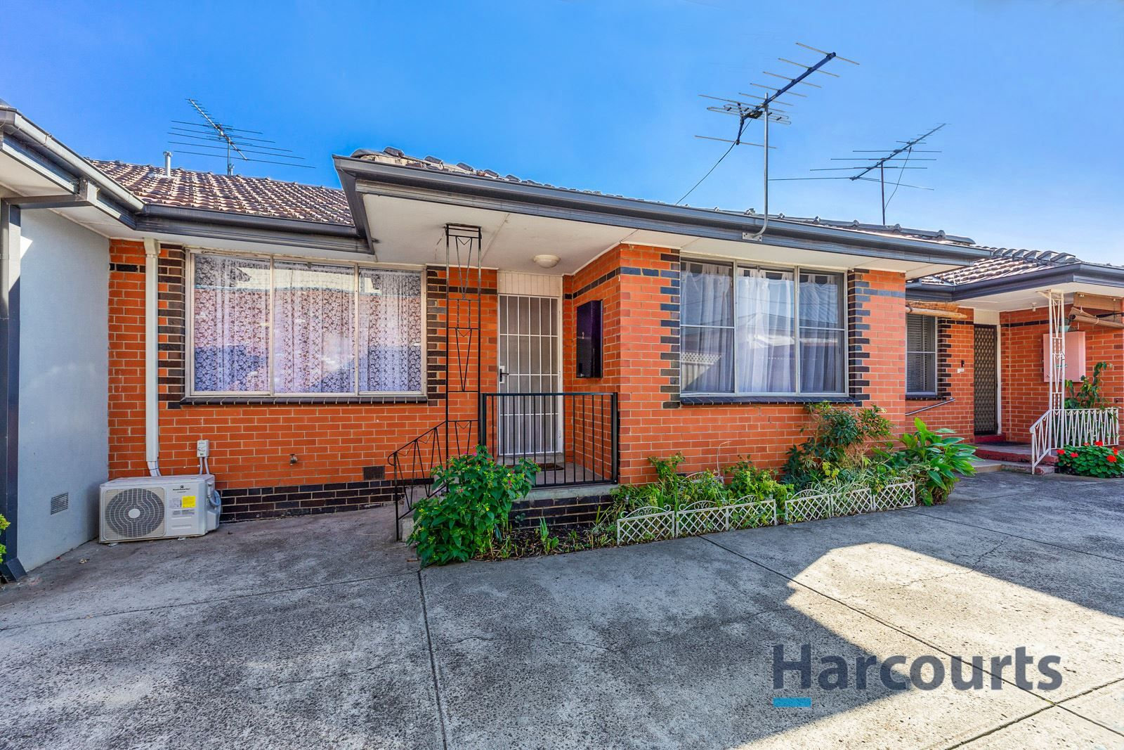 2/32 Roberts Road, Airport West VIC 3042, Image 0