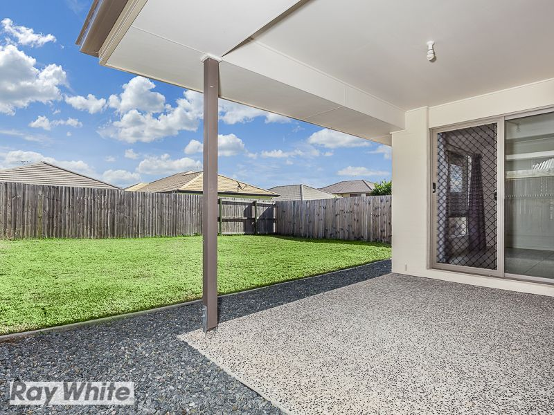 25 Troon Street, North Lakes QLD 4509, Image 2