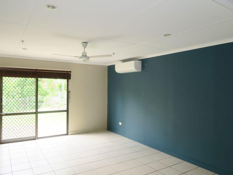 37 Hadrian Avenue, Mooroobool QLD 4870, Image 1