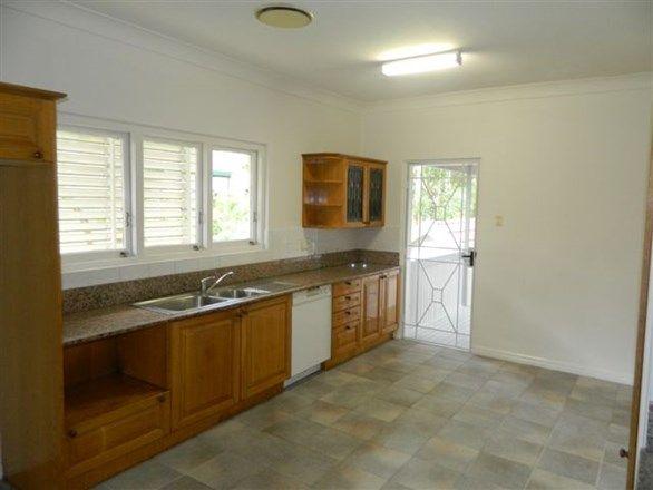 14 Brasted Street, Taringa QLD 4068, Image 2