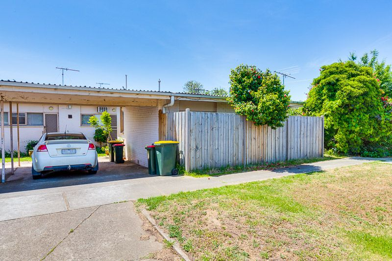 4/15 Stanfield  Street, Bacchus Marsh VIC 3340, Image 2