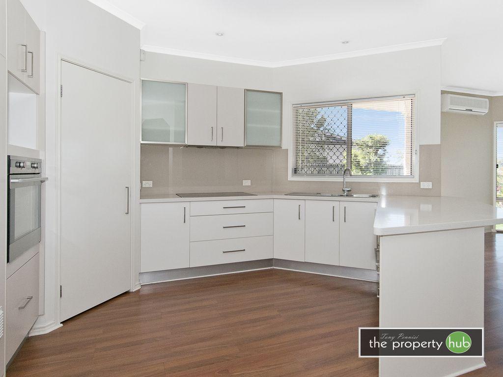 16 Riverside Terrace, Windaroo QLD 4207, Image 2