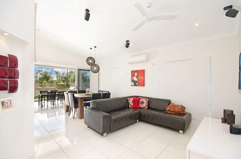 367 Mason St, Yarrabilba QLD 4207, Image 2