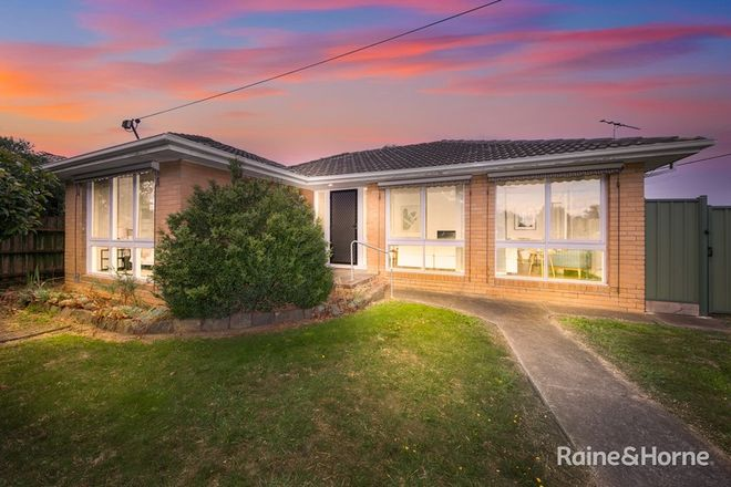 Picture of 18 Woodstock Drive, GLADSTONE PARK VIC 3043