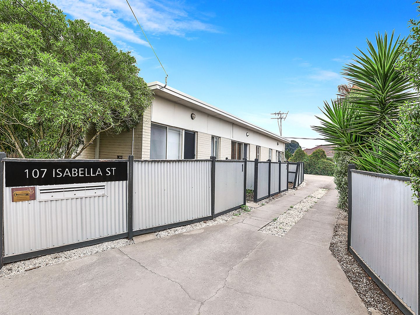 2/107 Isabella Street, Geelong West VIC 3218, Image 0