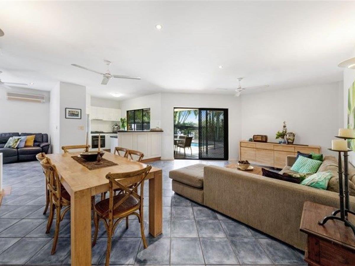 25 Wills Street, Brinsmead QLD 4870, Image 2
